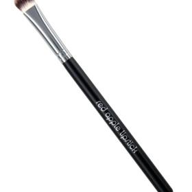 Red Apple Lipstick Wet/Dry Eye Brush