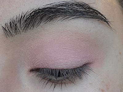 Image of eyelid with En Pointe eyeshadow by Red Apple Lipstick that was applied all over the lid