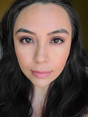 Image of lady with long black hair showing the completed Spring Time Smokey Eye look.