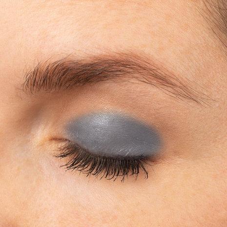 Raven Eye Swatch